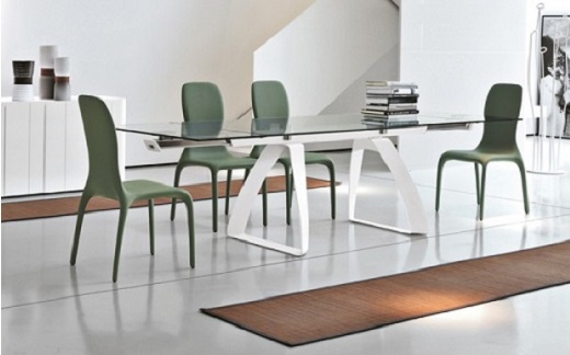 Product Code: GH   B4702. Material, Clear Tempered Glass. Extendable Dining  Set