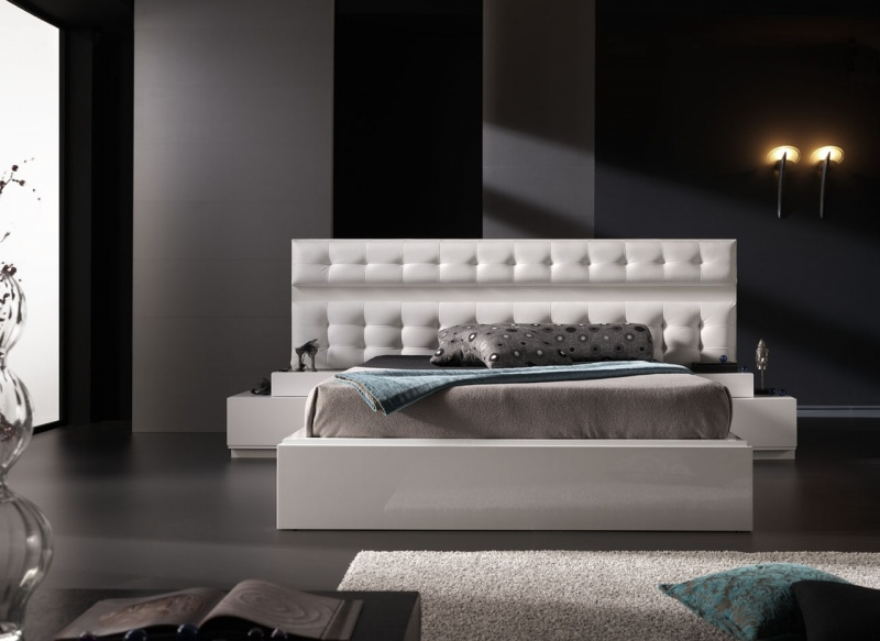 Modern bedroom furniture and platform beds in Toronto